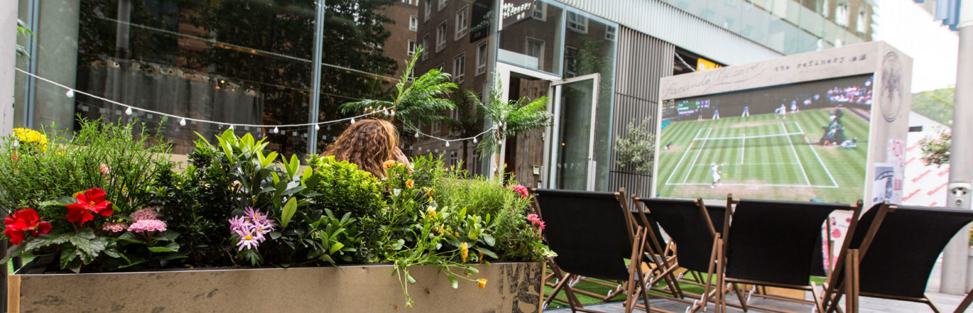ALL THE ACTION OF QUEEN'S AND WIMBLEDON AL FRESCO AT THE REFINERY BANKSIDE Hero Image